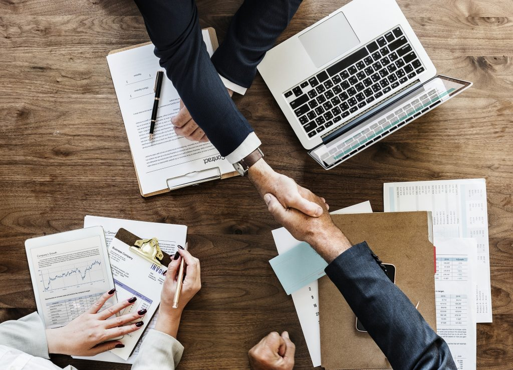 Ako správne privítať nového zamestnanca v práci?